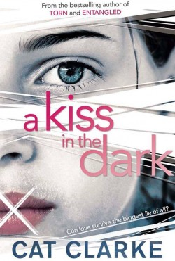 A kiss in the dark par Clarke