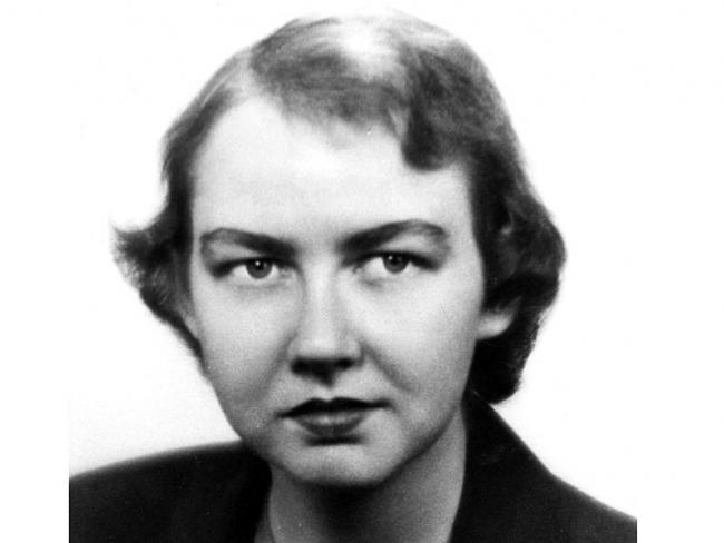 an analysis of a good man is hard to find by flannery oconnor In a good man is hard to find by flannery o'connor we have the theme of fear, appearance, nostalgia, selfishness and grace taken from her collection of the same.
