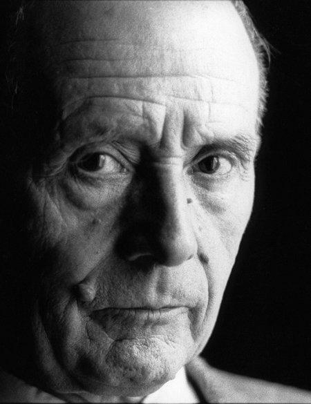 L'auteur sur ses traces toutes chaudes - Julien Gracq dans Essais, philosophie...