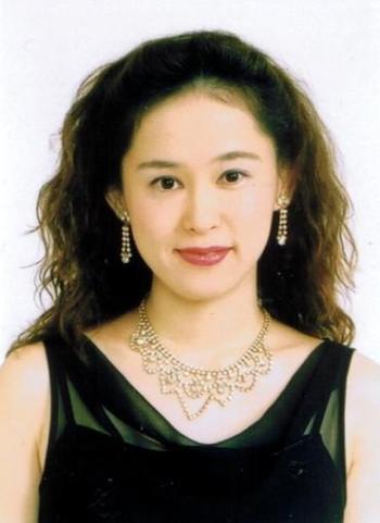 http://www.babelio.com/users/AVT_Kaoru-Mori_8930.jpeg