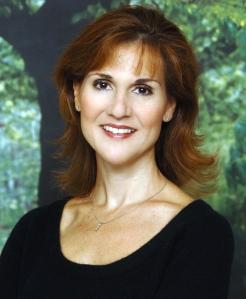 <b>Karen White</b> - AVT_Karen-White_9389