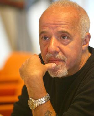 Les montres d'écrivains AVT_Paulo-Coelho_4485